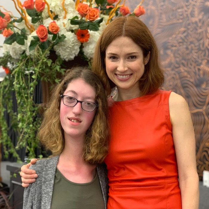 Naomi and the actress and alumna Ellie Kemper '02