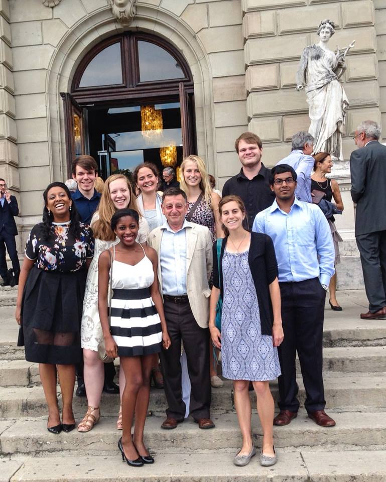 Picture of members of the Global Seminar Group posing on steps in front of the Geneva Opera.