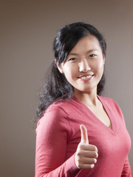 Melissa Yin giving a thumbs up